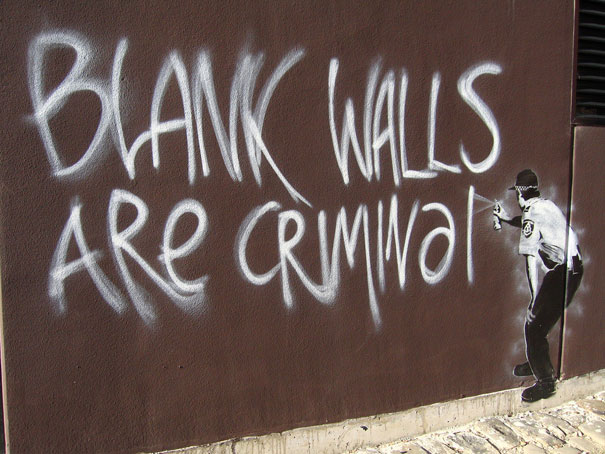banksy-graffiti-street-art-blank-walls-criminal