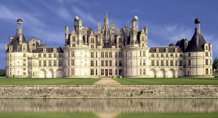 10-old-and-beautiful-castles-around-the-world-Chambord-Castle