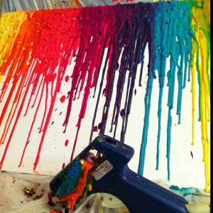 Extremely-Smart-DIY-Melted-Crayon-Wall-Art-Project-homesthetics-12