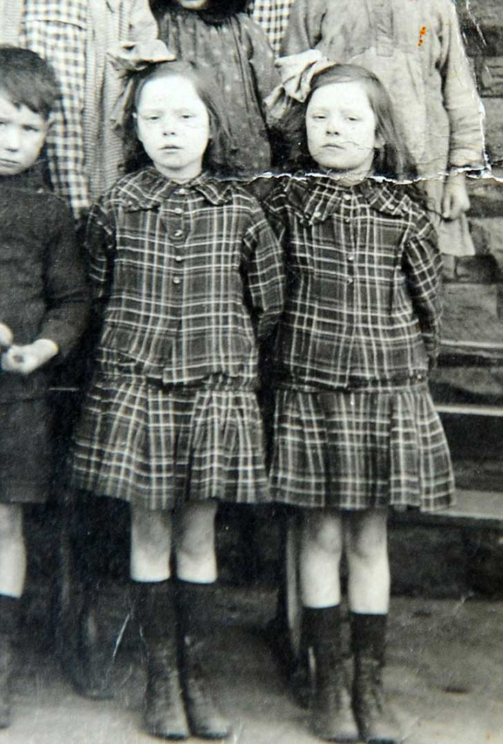 oldest-twin-sisters-103-years-florence-davies-glenys-thomas-21