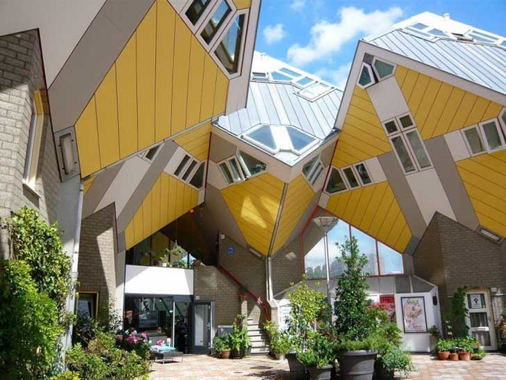 Falling-cubes-configurations-as-the-most-unusual-house-design-in-the-world-801x601