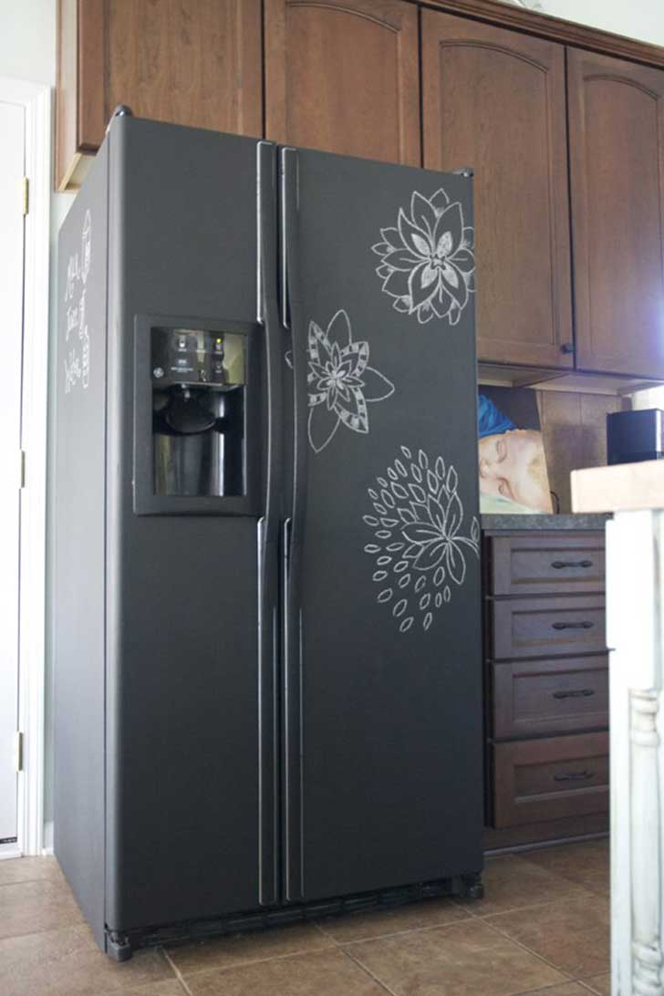 10-chalkboard-painting-on-a-refrigerator