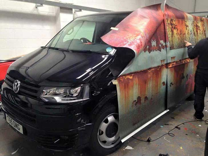 Brand-new-car-gets-witty-camouflage-to-keep-it-from-being-stolen11-650x488