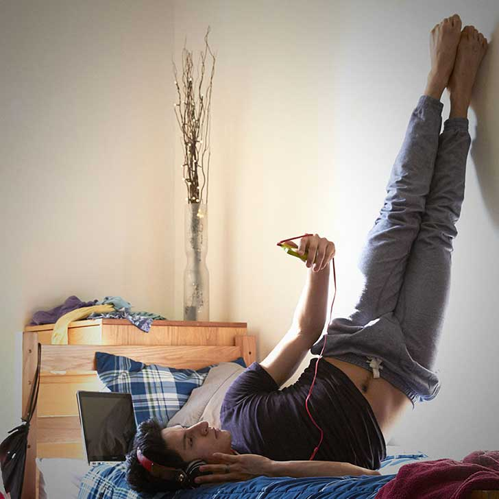 Home-Stage-I-photograph-dancers-in-their-own-homes.12__880
