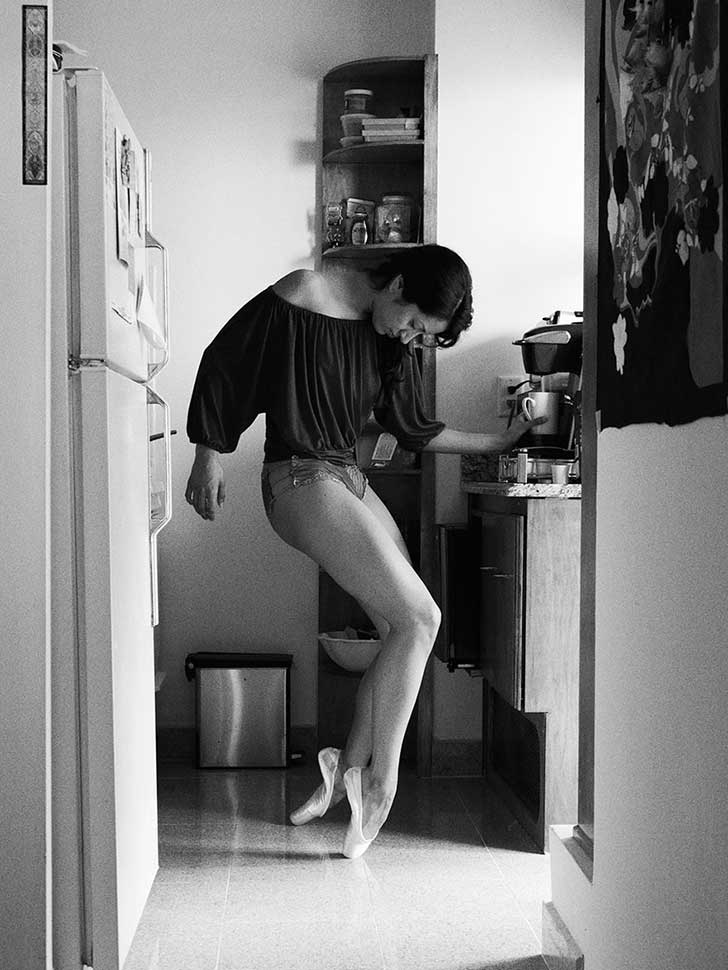 Home-Stage-I-photograph-dancers-in-their-own-homes.1__880