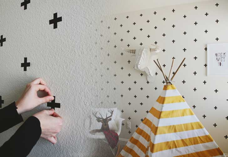 23-DIY-Washi-Tape-Pattern-Wall-Art