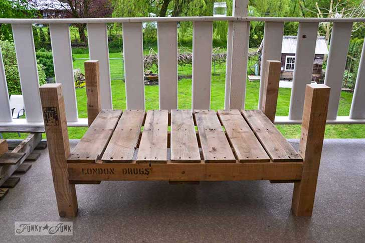 Pallet-wood-patio-chair-06021