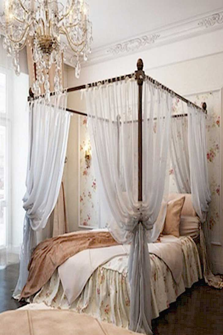 extraordinary-feminine-bedroom-the-doll-hou