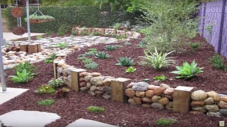 16 hermosas ideas para decorar tu jard n con piedras for Como decorar un jardin con piedras