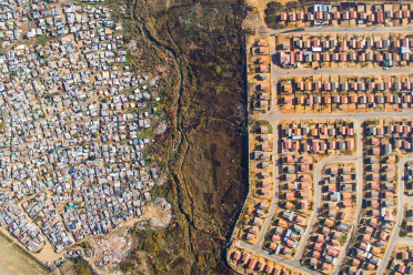 unequal-scenes-drone-photography-inequality-south-africa-johnny-miller-fb