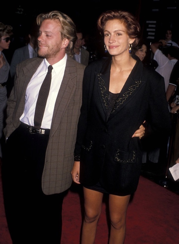 Actor Kiefer Sutherland and actress Julia Roberts Attend the 'Flatliners' Hollywood Premiere on August 6, 1990 at Mann's Chinese Theatre in Hollywood, California.  (Photo by Ron Galella, Ltd./WireImage)