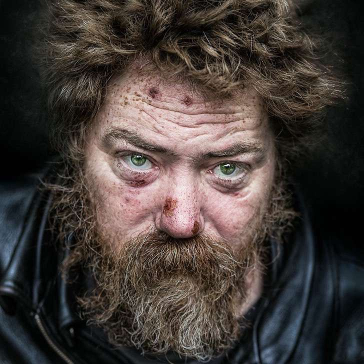 careful-soul-inside-a-photographers-journey-throughout-the-west-coasts-homeless-souls-582bccb74f7ef__880-2