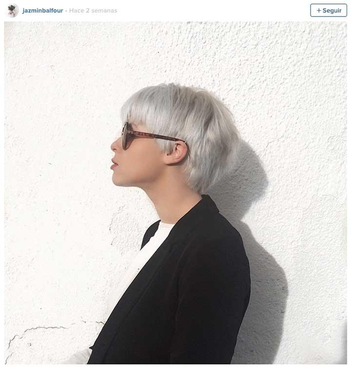 Color gris en el pelo corto