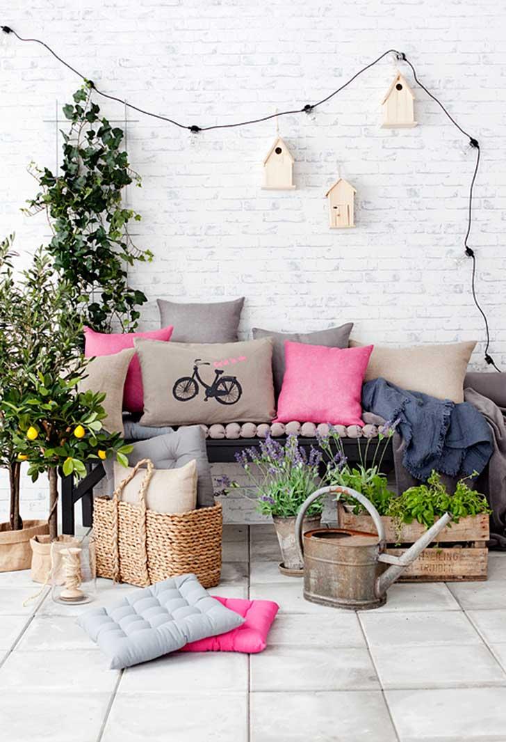 Small-Balcony-Design-Ideas-18