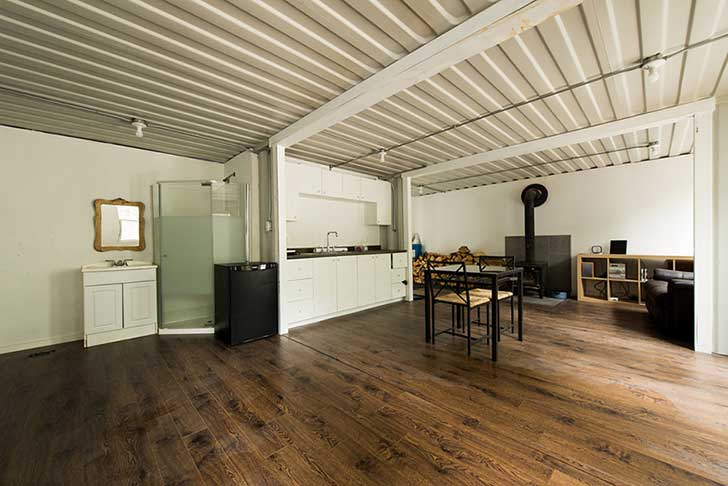 shipping-container-cabin-4