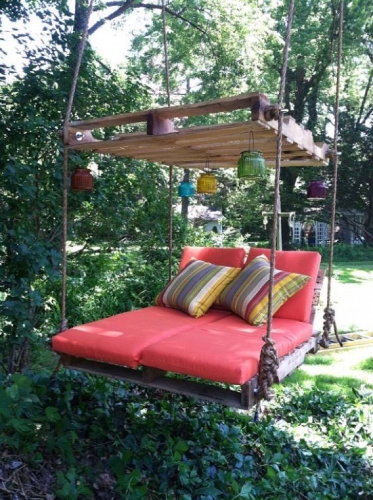 the-best-diy-wood-pallet-decor-and-craft-ideas-13